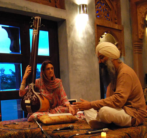 Dr Francesca Cassio with Bhai Baldeep Singh