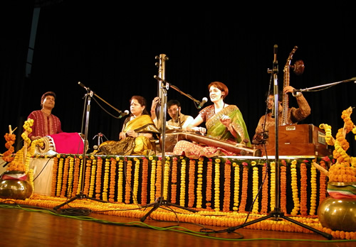 Francesca Cassio performing dhrupad at ICCR Tagore Centre, Kolkata