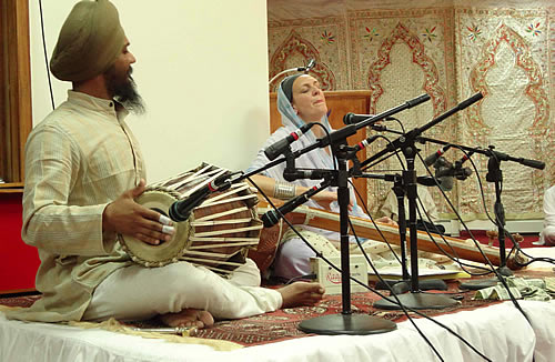 Dr. Francesca Cassio performing a kirtan at the Glen Cove Gurdwara (New York) accompanied by Parminder Singh Bhamra on pakhawaj, Vaisakhi 2012